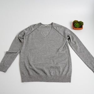 ‼️ Flash Sale ‼️ GAP V - Neck Sweater